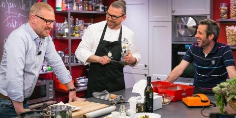 Gerald y Adrian presentan nuevos platos usando Oro Bailén Reserva Familiar Picual